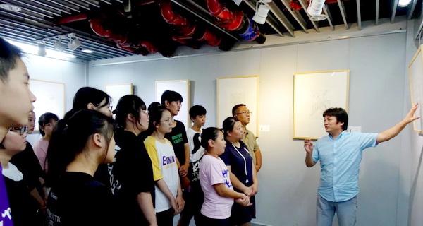 19-08-14顾忠兵速写作品展在南通开展 (4).JPG